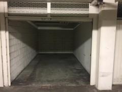 Parking/Box 14 m2 à PARIS 15 vaugirard/cambronne 39 900 €