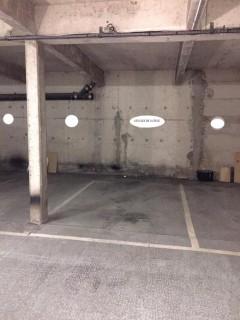 Parking/Box 12 m2 à BOULOGNE BILLANCOURT  25 900 €