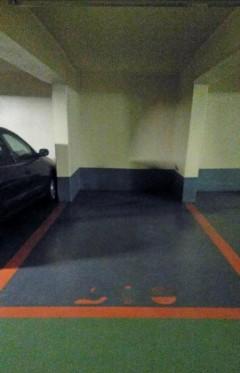 Parking/Box 12 m2 à PARIS 06  200 €