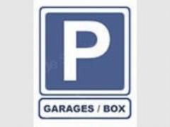Parking/Box 30 m2 à PARIS 17  93 500 €