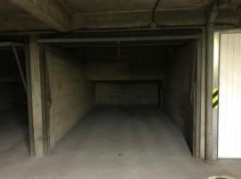 Parking/Box 12 m2 à PARIS 06  210 €