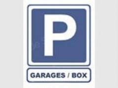 Parking/Box 18 m2 à PARIS 08  137 500 €