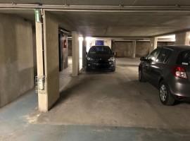 Parking/Box 12 m2 à PARIS 13  19 000 €