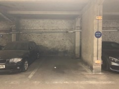 Parking/Box 12 m2 à PARIS 16  69 900 €