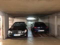 Parking/Box 14 m2 à PARIS 08  44 500 €