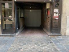 Parking/Box 11 m2 à PARIS 08  34 500 €