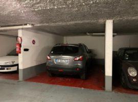 Parking/Box 14 m2 à Paris 19 Buttes Chaumont 22 500 €