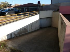 Parking/Box 175 m2 à PERPIGNAN  152 000 €
