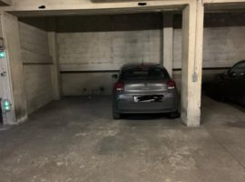 Parking/Box 11 m2 à Paris 19  15 500 €