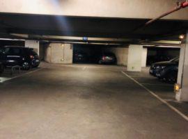 Parking/Box 12 m2 à Paris 19 Place des fetes  14 900 €