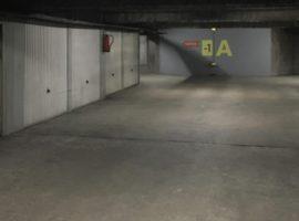 Parking/Box 12 m2 à Arcueil Laplace 26 500 €