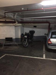 Parking/Box 10 m2 à PARIS 16  17 000 €