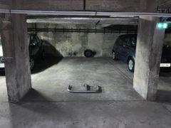 Parking/Box 19 m2 à PARIS 12 Dugommier 30 000 €