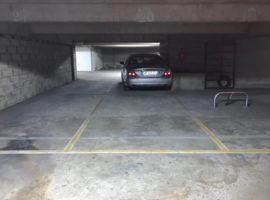 Parking/Box 25 m2 à Vitry Sur Seine  21 000 €