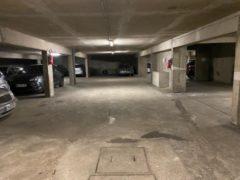 Parking/Box 12 m2 à PARIS 16  62 000 €